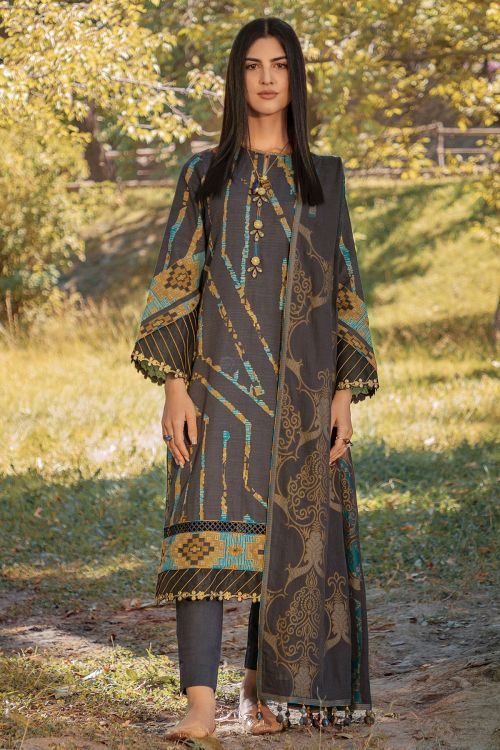 3 Pc Embroidered Khaddar Suit With Jacquard Dupatta